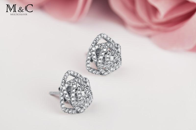 慕蒂卡珠宝  花之语-18K金钻石耳饰